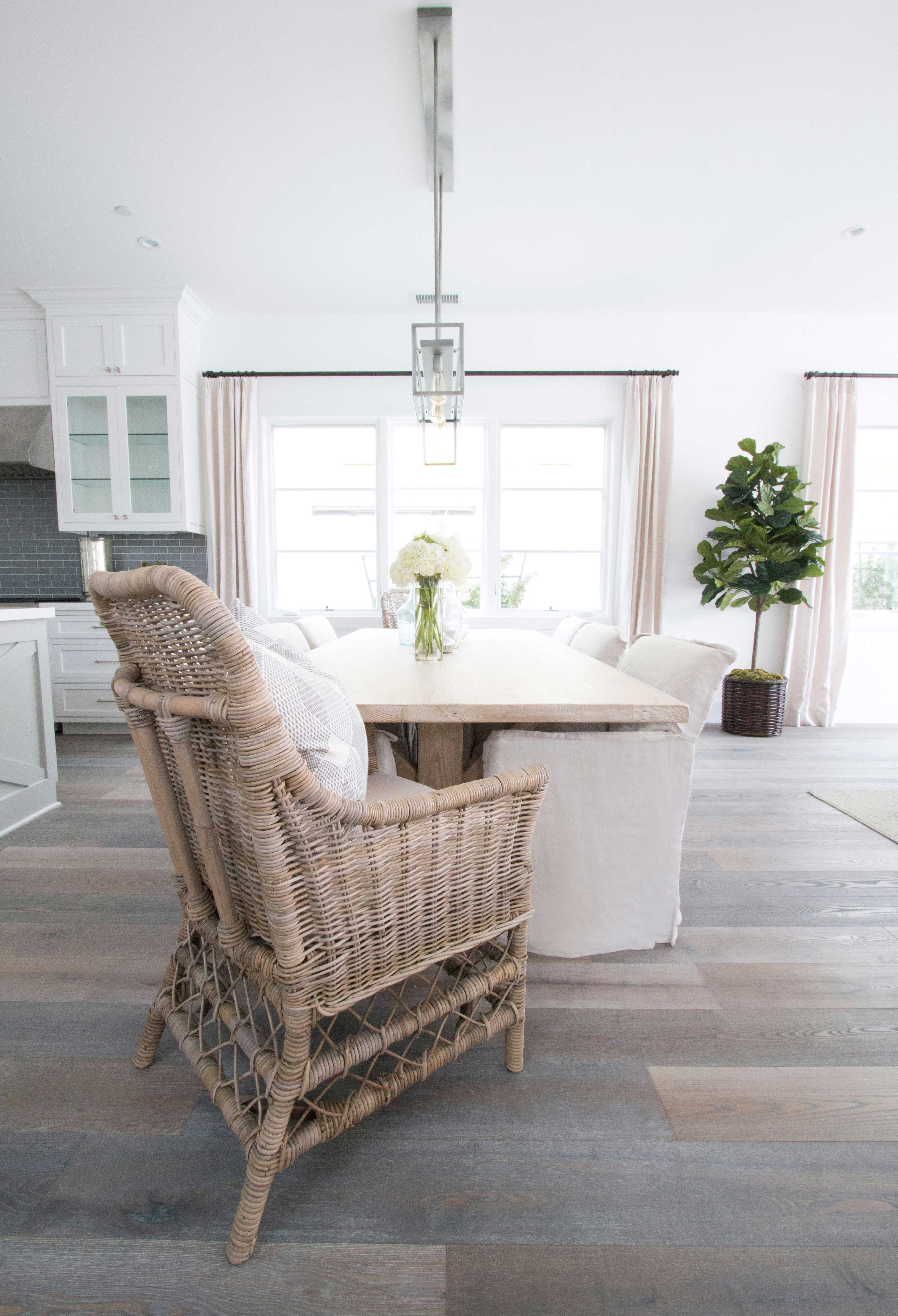 1_blackband_design_project_west_bay_dining_room_5