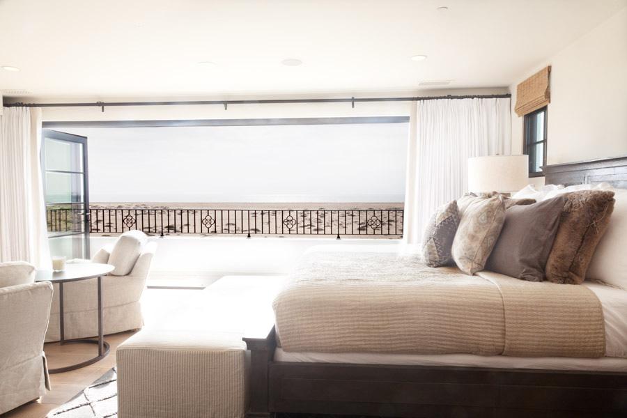 newport-beach-beach front-master-bedroom