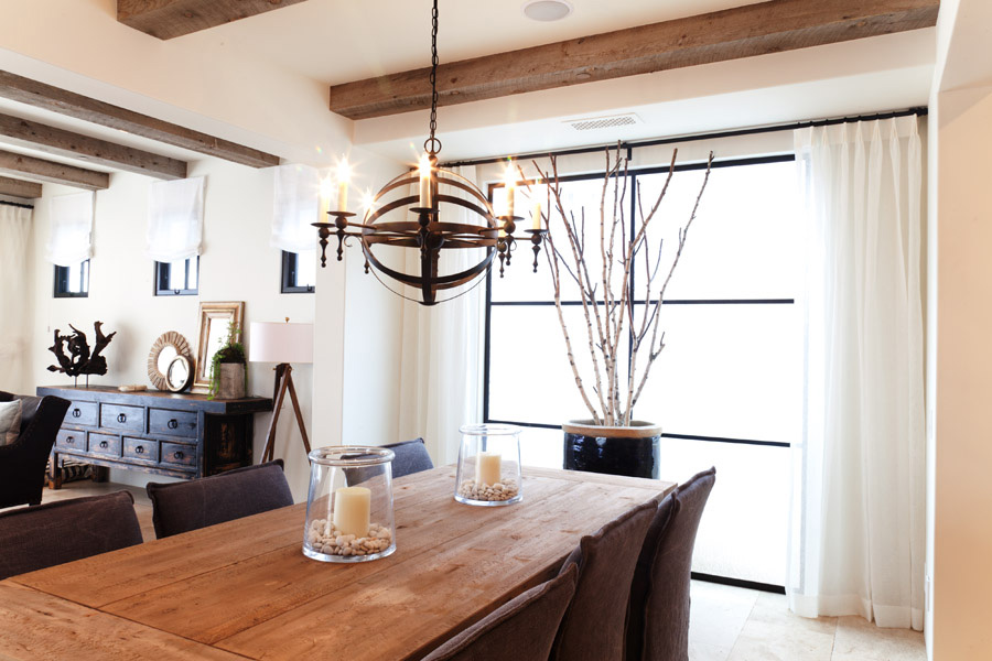 beachy dining room in newport beach