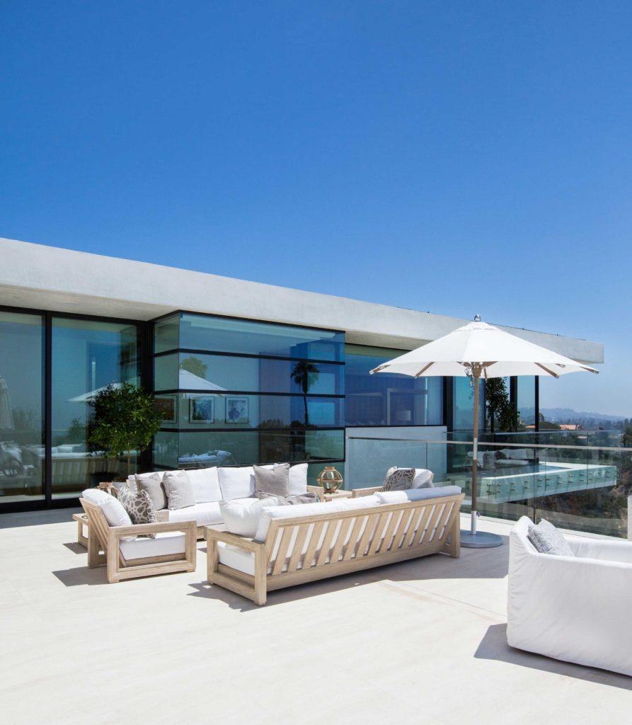 blackband_design_bel_air_rooftop_courtyard