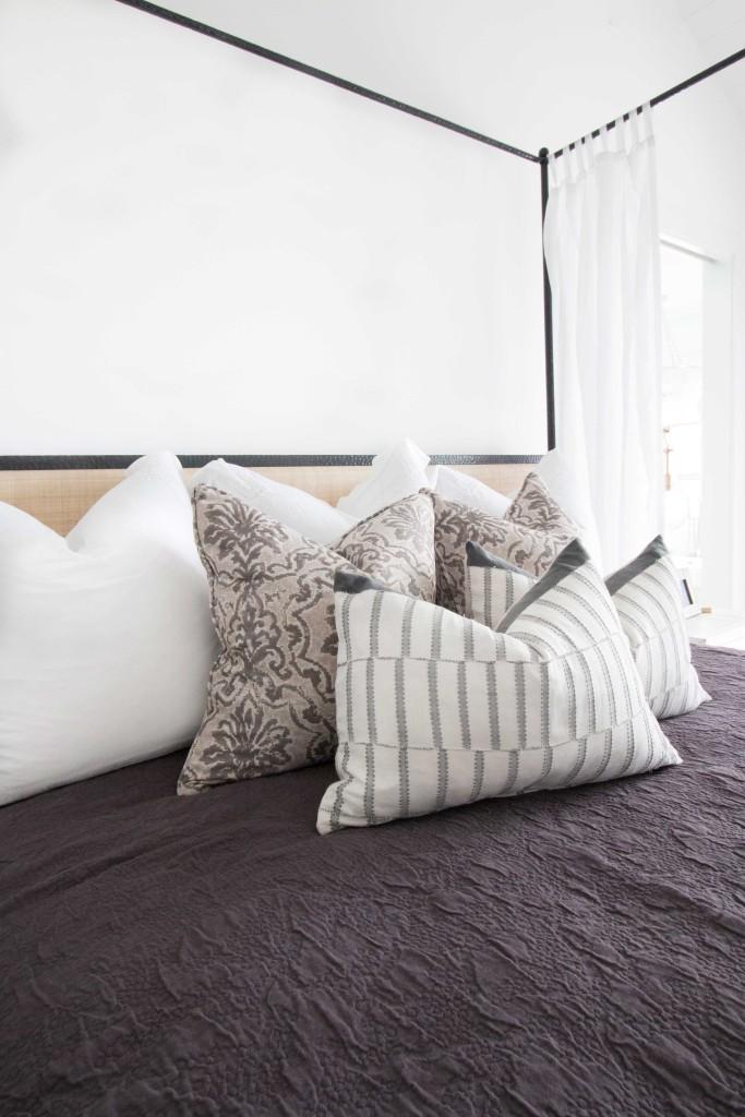 blackband_design_project_west_bay_master_bedroom_02